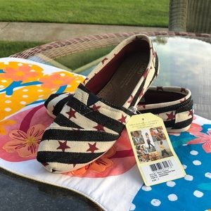 Toms Women's shoes Stars and Stripes Size 7 NWT